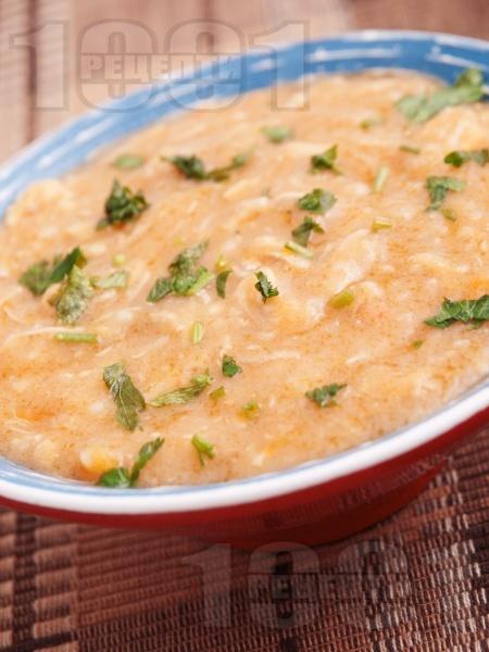 Пиле фрикасе със сметана, гъби и червен пипер - снимка на рецептата